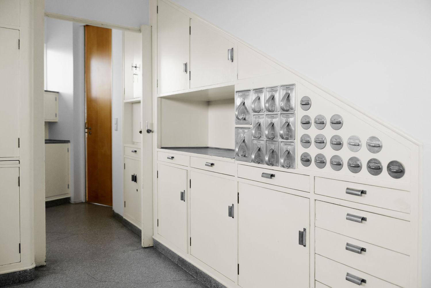 k chen torso von der reduzierung der schritte moira zoitl. Black Bedroom Furniture Sets. Home Design Ideas